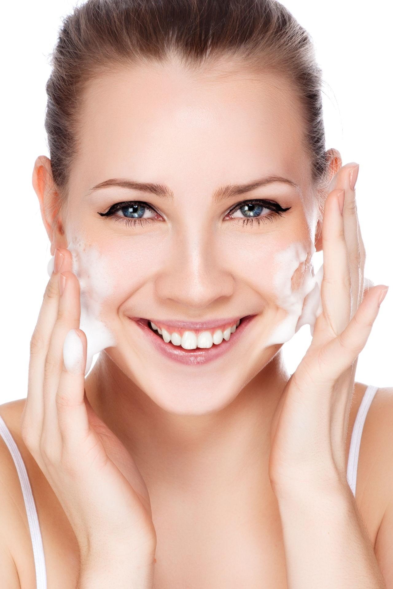 Sữa rửa mặt làm sáng da, giảm nhờn dạng gel Obagi-C Rx C-Cleansing Gel 180ml được ưa chuộng hàng đầu tại Mỹ-hibeauty