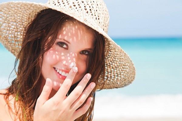 Kem lót chống nắng che khuyết điểm Obagi Sun Shield TINT SPF 50 (Cool) 85g dành cho mọi loại da – Mỹ-hibeauty