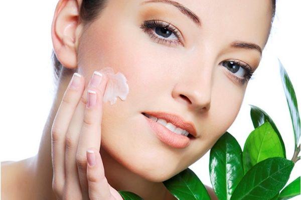 Sản phẩm bổ sung hàm lượng vitamin giúp nuôi dưỡng da căng mịn